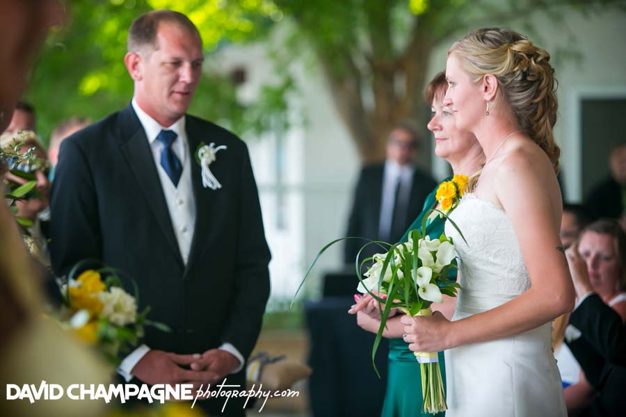 20140613-david-champagne-photography-virginia-beach-wedding-photographers-yacht-club-at-marina-shores-wedding-photographers-wedding-photography-_0040