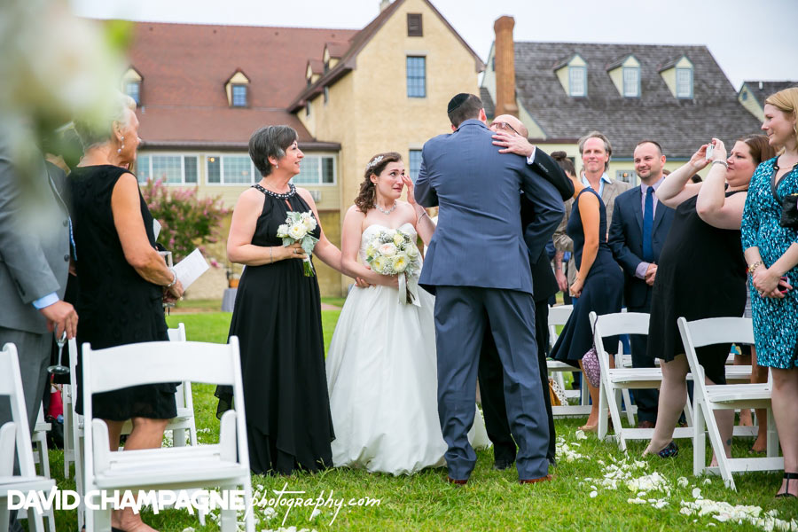 20150830-williamsburg-winery-wedding-photos-virginia-beach-wedding-photographers-david-champagne-photography-0047