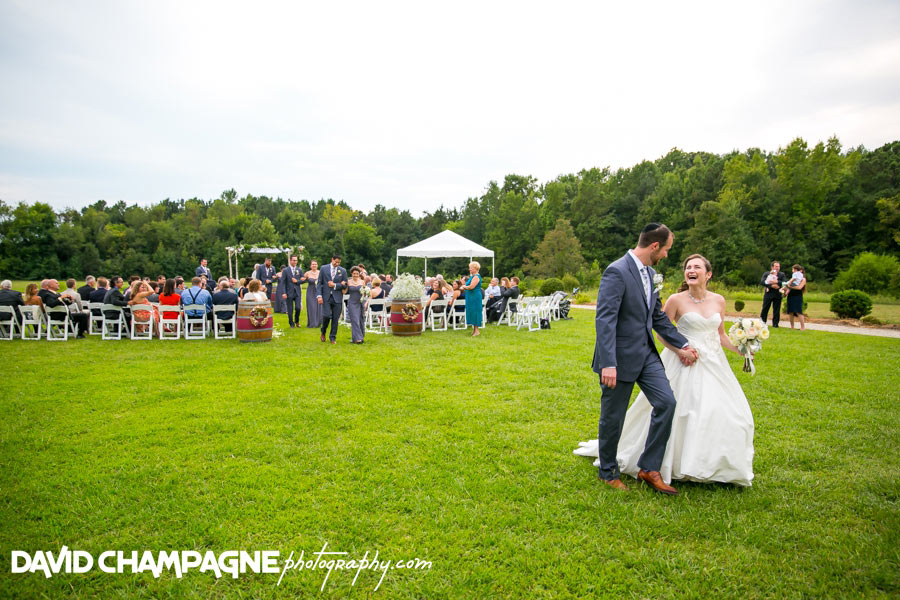 20150830-williamsburg-winery-wedding-photos-virginia-beach-wedding-photographers-david-champagne-photography-0060