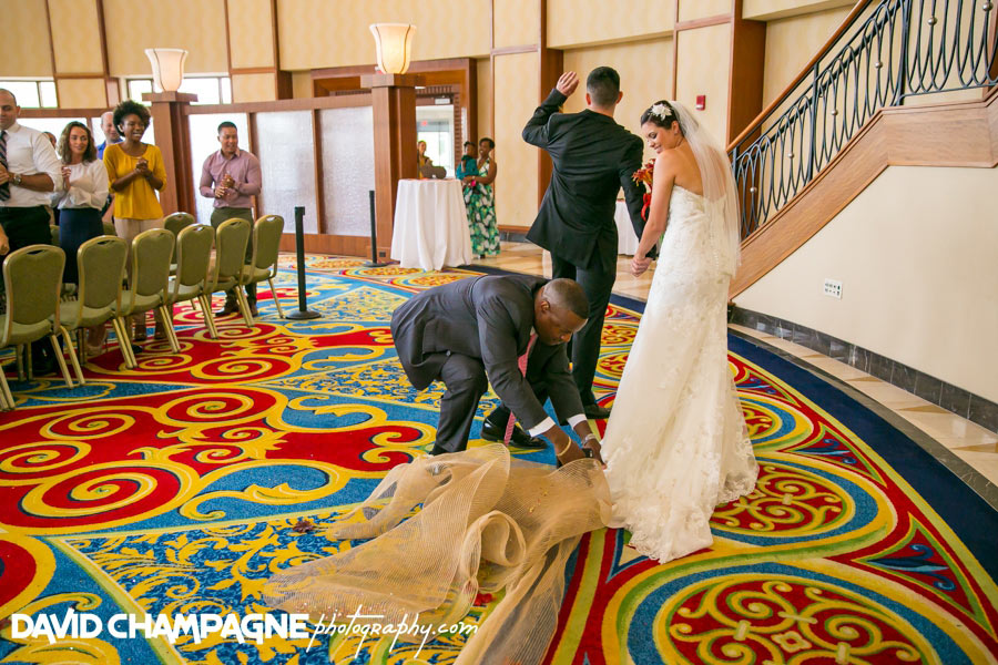 20150927-newport-news-marriott-at-city-center-wedding-photos-virginia-beach-wedding-photographers-david-champagne-photography-0059